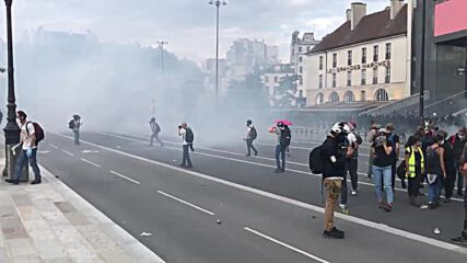 France: 'Way to control people' - protesters decry COVID pass in Paris demo