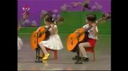 Талантливи Корейчета Свирят На Китара