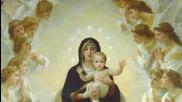 майката на Исуса в детайли с Zoom и движение