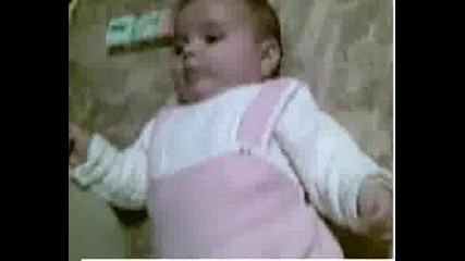 Какво Му Трябва На Едно Бебе :)