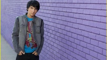 Theme Song of Pair of Kings - Mitchel Musso ft. Doc Shaw - Top Of The World