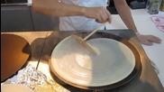 Майсторско правене на палачинки в Япония