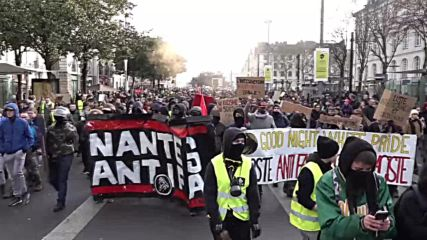 France: Police tear gas protesters at Nantes 'Yellow Vest' demo