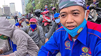 Indonesia: Hundreds march against implementation of 'Omnibus' bill