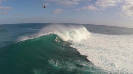 Сърфинг заснет от дрон