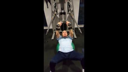 Master chest press