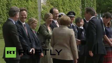 Germany: Merkel receives Cameron with military honours in Berlin