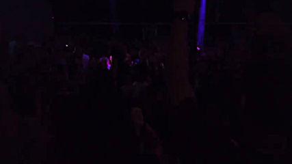 """Публиката пее по-силно от музиката """"Пиян"""" на Преслава!"""