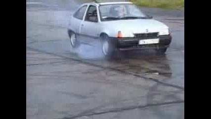 Opel Kadett 1.6 Пали Гуми