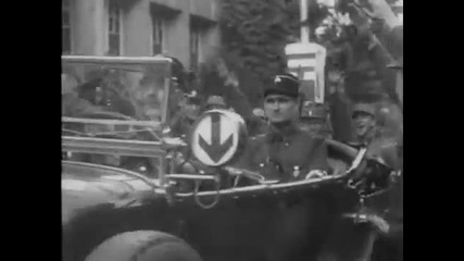 La Vie D'adolf Hitler (part1).avi
