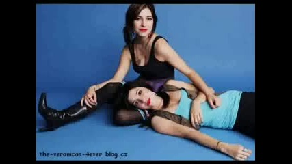 The Veronicas - Leave Me Alone (slideshow)