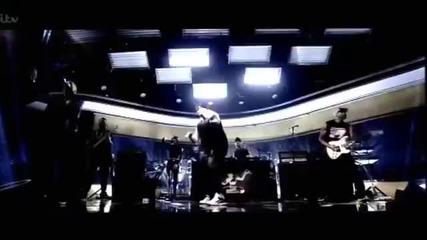 Eminem - Berzerk { Live from Johnatan Ross Show} (16.11.2014)