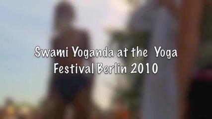 100 годишния йога-учител Свами Йогананда