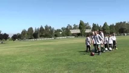 Женска футболна школа