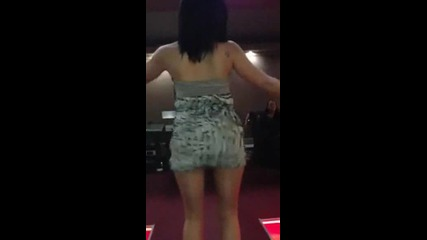 Момиче Яко Танцува на Кючек