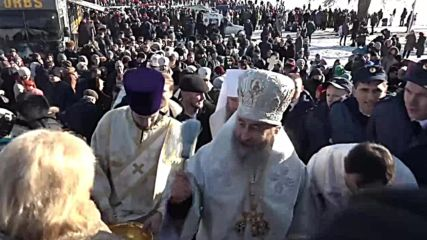 Ukraine: Metropolitan Onufry leads ice-cold Epiphany celebrations in Kiev