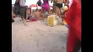Момичета На Плаж