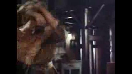 Сцени от Enter the dragon с Брус Лий