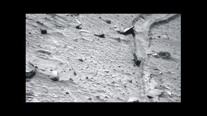 Nasa leaked photos,unexplained object on Mars