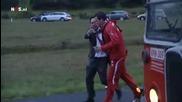 Футболист на Твенте скача от автобус за стек бира