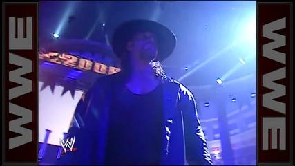 Гробаря използва силите си, за да унищожи ринга докато Кърт Енгъл е на него - Кралски Грохот 2006