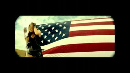 Страхотен ремикс на песента на Miley Cyrus - Party in the U S A
