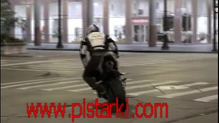 stunt in street on chicago 3d by:www.pistarki.com