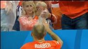 Детето на Робен плаче след загубата от Аржентина ...