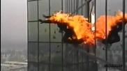 Най Яките Каскади За 2011 (е тва са хора които не ги е страх)