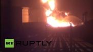 Йемен: Рафинерията в Аден е опожарена от йеменски бунтовници