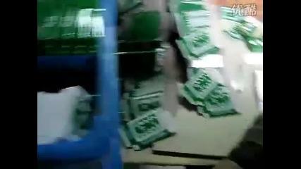 Пакетиране на игрални карти в Китай