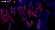 Jenny Jones Vs Joelle Moses- 'i'm Every Woman' - The Voice Uk - Battles 1 - Bbc One
