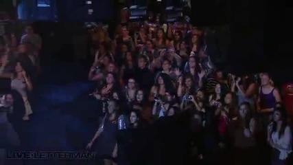 Джо Джонас на живо от шоуто на Летърман - Love Slayer ( Перфектно Качество)