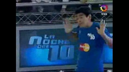 Марадона,  Меси и Тевес играят джитбол!
