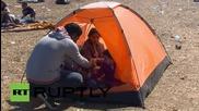 Унгария: Полицията разгони къмпингуващи бежанци