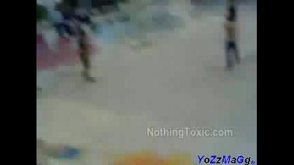 Скейтари Се Бият