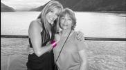 Направете мама щастлива Lilian Garcia показва подкрепата си за Susan G. Komen за Cure