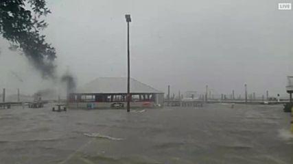 USA: Huge storm surge follows Hurricane Matthew in S. Carolina's Murrells Inlet