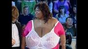 Жената С Най - Големите Гърди На Земята