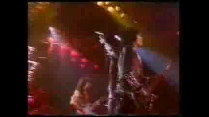 Kiss - Under The Gun