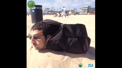 Луд трик на плажа !
