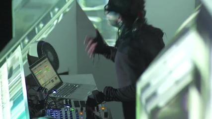 Skrillex - Breakin' a Sweat ft. Members of The Doors Hd