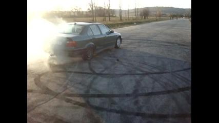 Гръмване на гума с бмв Е36
