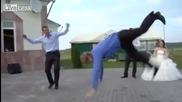 Руска сватба с изненада от страна на роднините