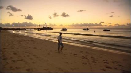Роджър Федерер се забавлява с делфини на тузарски курорт