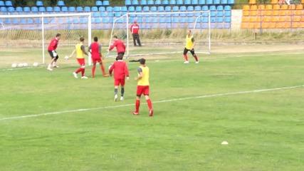 Янис Зику с гол и асистенция в двустранна игра на ЦСКА