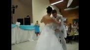 Най-готиния първи сватбен танц!
