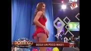 Секси Маце с много къса поличка в Аржентинската телевизия
