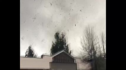 USA: Violent tornado wreaks havoc on homes in Washington State