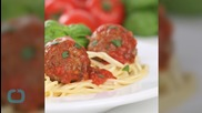 How to Make Spaghetti and Meatball Tacos, because Mmmm